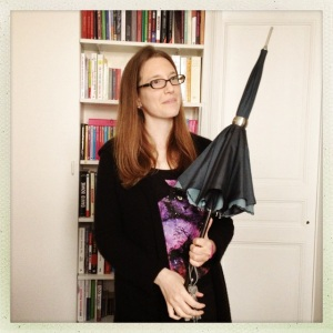 Author Kristin Cashore has been in France since May, attending literary festivals in Saint Malo (Les Etonnants Voyageurs) and Epinal (Les Imaginales).  The heroine of GRACELING, Katsa, is adept with a sword, but Kristin wields a pretty mean umbrella herself!