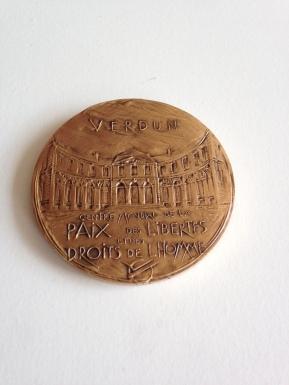 Medal Gleitzman reverse